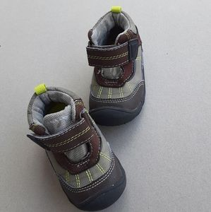 5/$20 Carter's Child of Mine Oakland Shoes